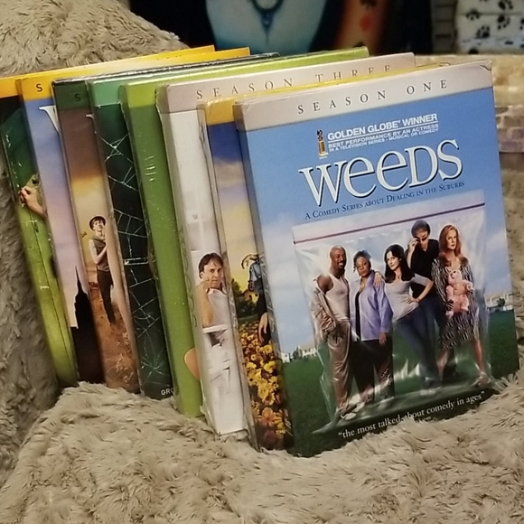 Other - Weeds Full Series Unopened